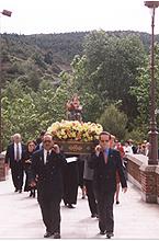 Ntra.-Sra.-de-la-Victoria-de-Melilla-procesion-en-Torreciudad.jpg