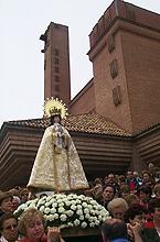 Procesión con la Virgen el día 10 de julio de 2000